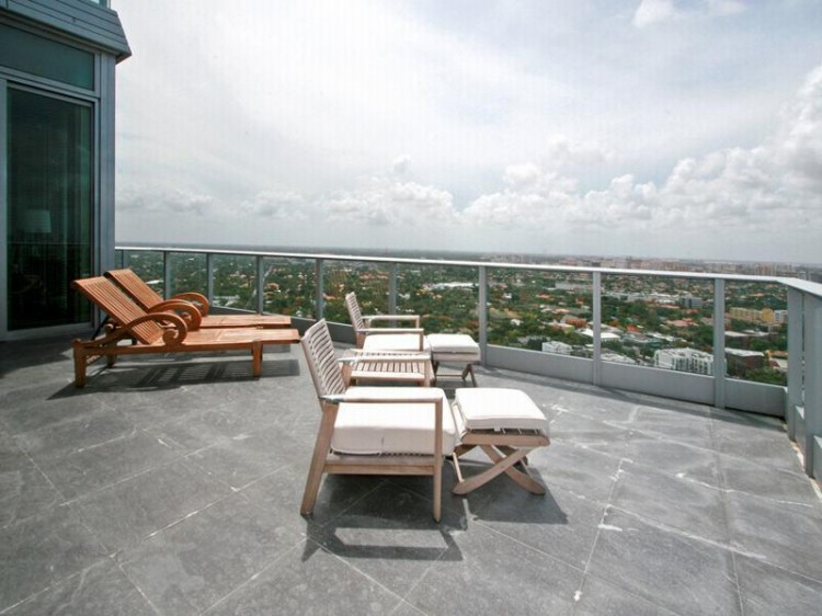 shockblast_14-penthouse-in-miami-grovenor-house_
