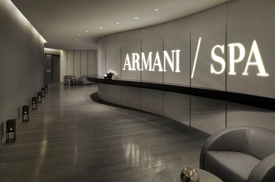 Inside the armani hotel dubai shockblast for Hotel de dubai