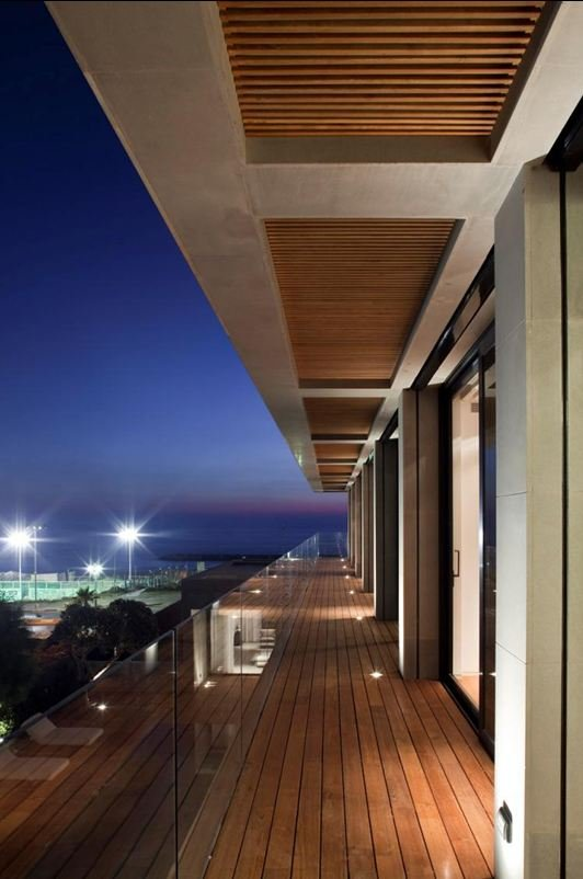 Pitsou Kedem Architects    Beach Retreat @ ShockBlast