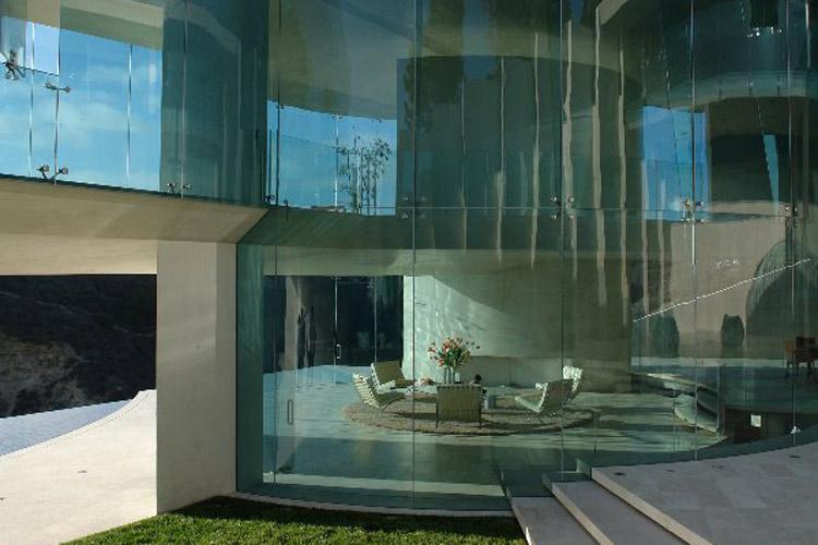 ShockBlast_glass-walls-gorgoues-home(1)