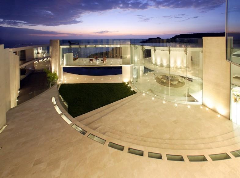 ShockBlast_sea-view-mansion(1)