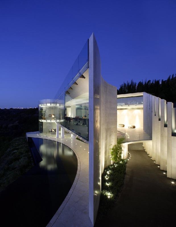 ShockBlast_spectacular-house-by-sea(1)