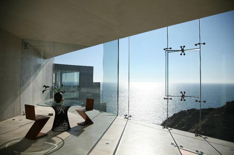 ShockBlast_stunning-view-table-mansion(1)