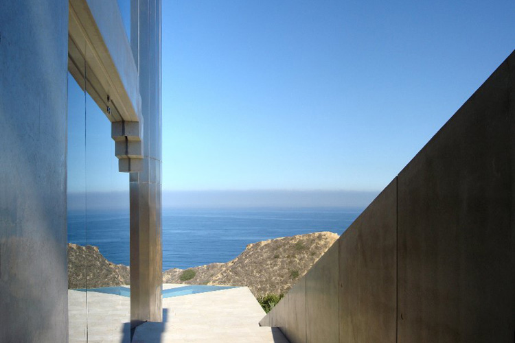 ShockBlast_view-of-the-sea(1)