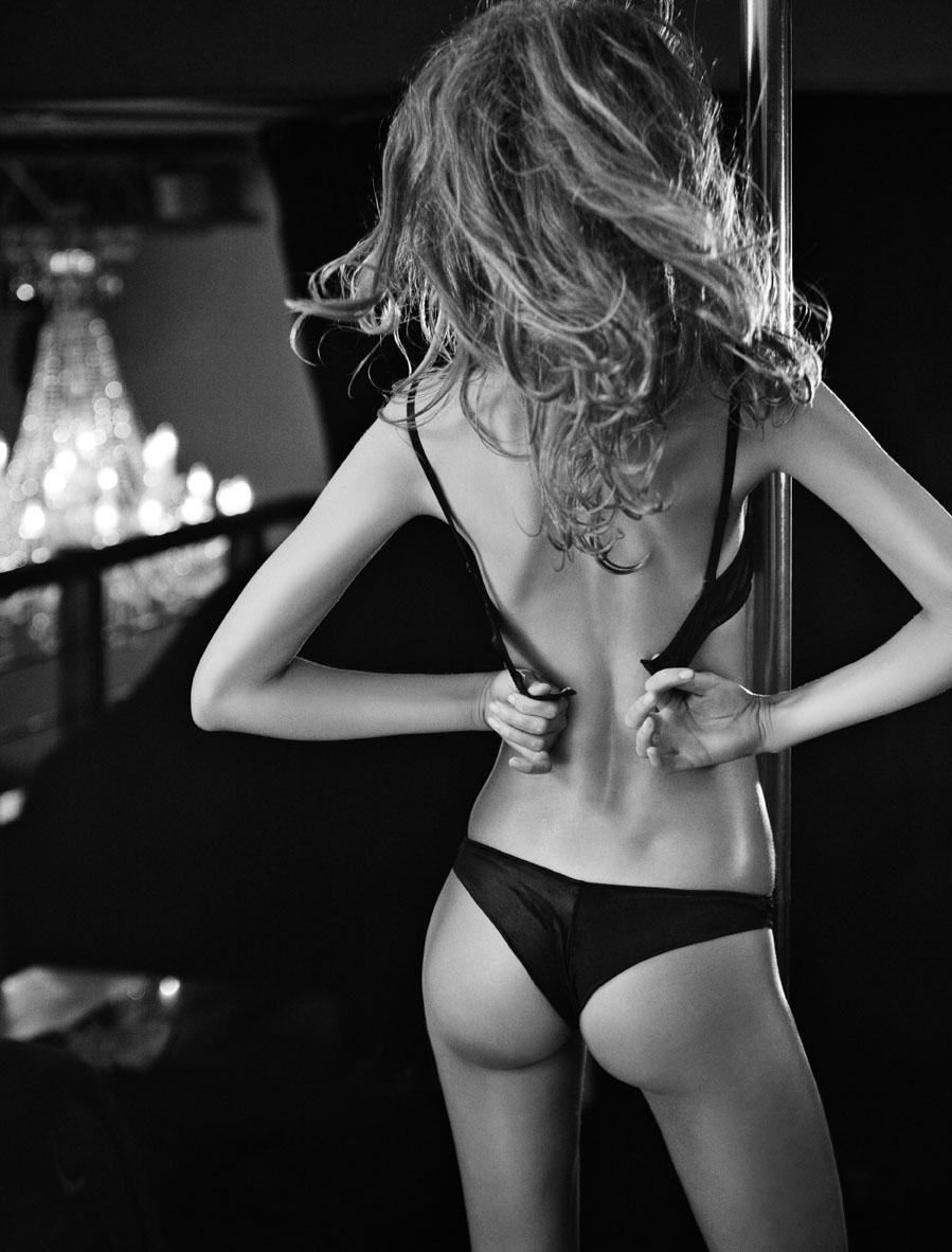 Фото девушек сзади худеньких, порно лесби гостях