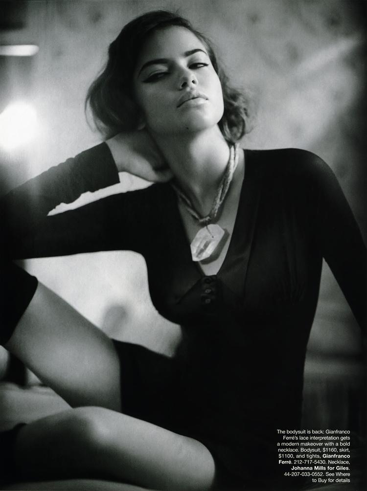 ShockBlast-Adriana_Lima-Harper_Bazaar-June-2004-40