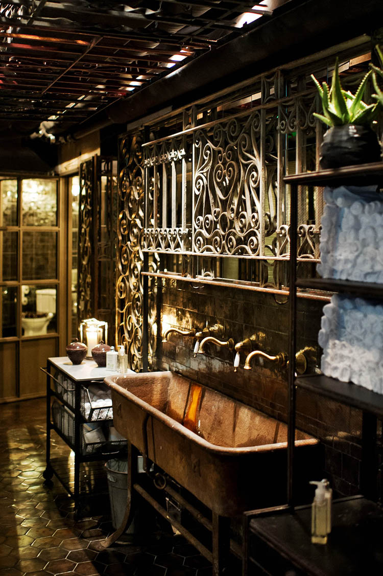 Berns nosh and chow in stockholm sweden shockblast for Bathroom design restaurant