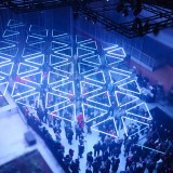 tetro-grid-kinetic-light-installation-ShockBlast