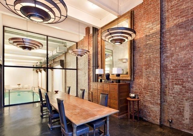 cozy townhouse loft in soho new york shockblast. Black Bedroom Furniture Sets. Home Design Ideas