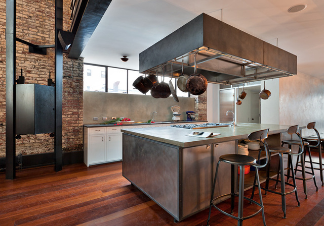 Cozy townhouse loft in soho new york shockblast for New york loft kitchen design