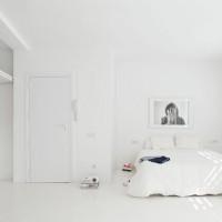 The White Retreat, minimalistic apartment in Spain - ShockBlast