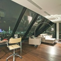 Luxury Penthouse Overlooking London - ShockBlast
