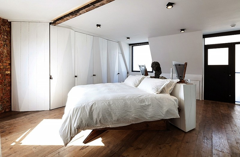 beautiful-soho-bedroom-that-combines-the-modern-and-the-traditional