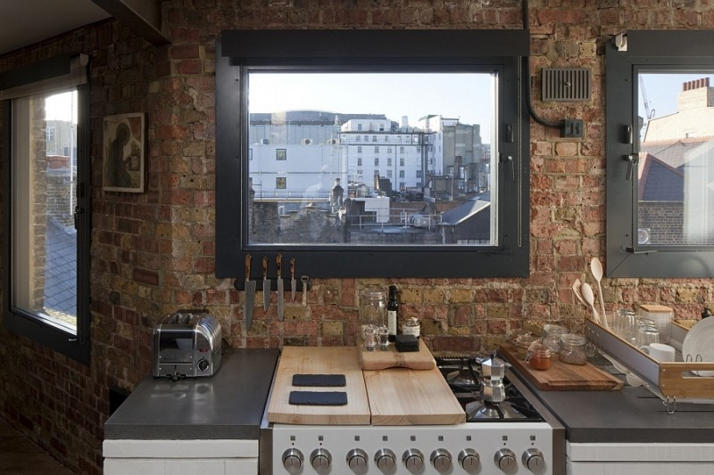 framed-views-of-london-from-the-smart-kitchen