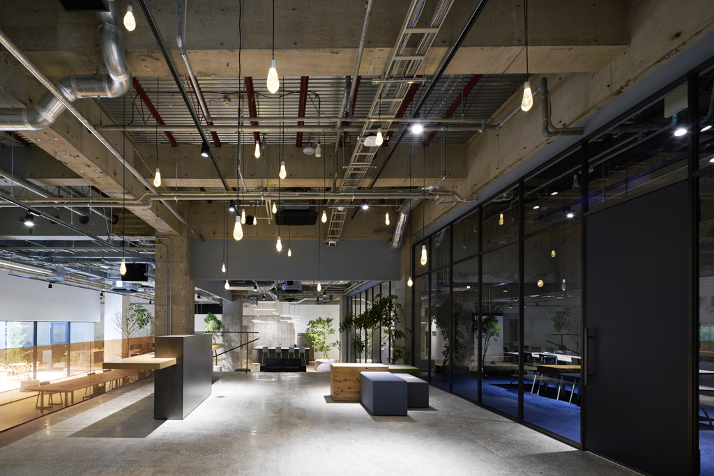 Akqa tokyo office space redesigned shockblast for Redesign office space