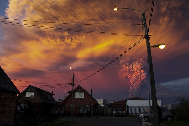 incredible-shots-from-volcano-eruption-in-chile-ShockBlast-2