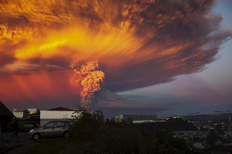incredible-shots-from-volcano-eruption-in-chile-ShockBlast-3