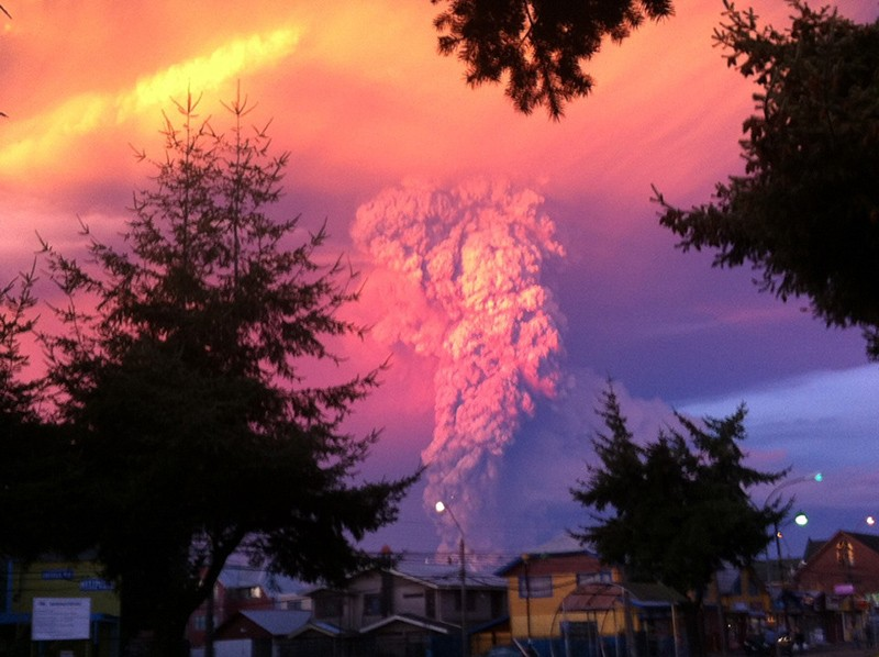 incredible-shots-from-volcano-eruption-in-chile-ShockBlast-5