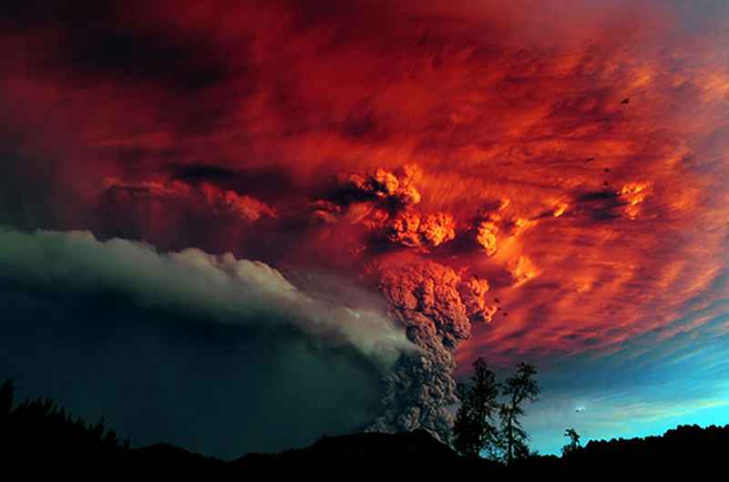 incredible-shots-from-volcano-eruption-in-chile-ShockBlast-6