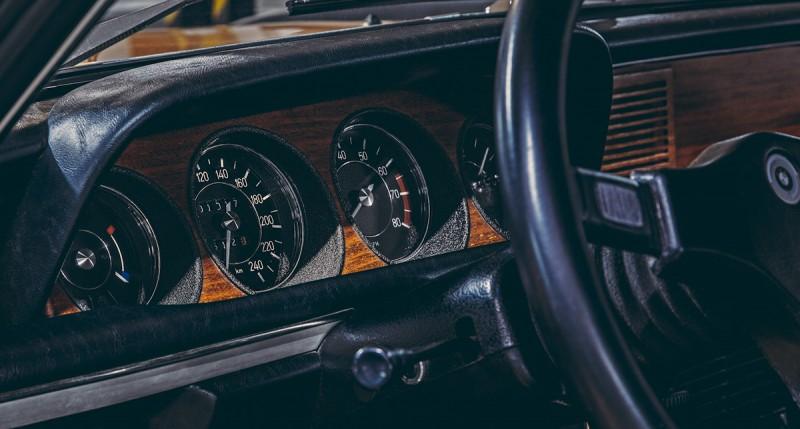 BMW_30_csl_1974_gold-ShockBlast-2