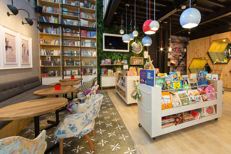 Bookstore_Cafe_Colombia-ShockBlast-8