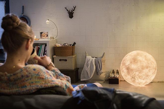 acorn-studio-luna-moon-lamp-ShockBlast-6