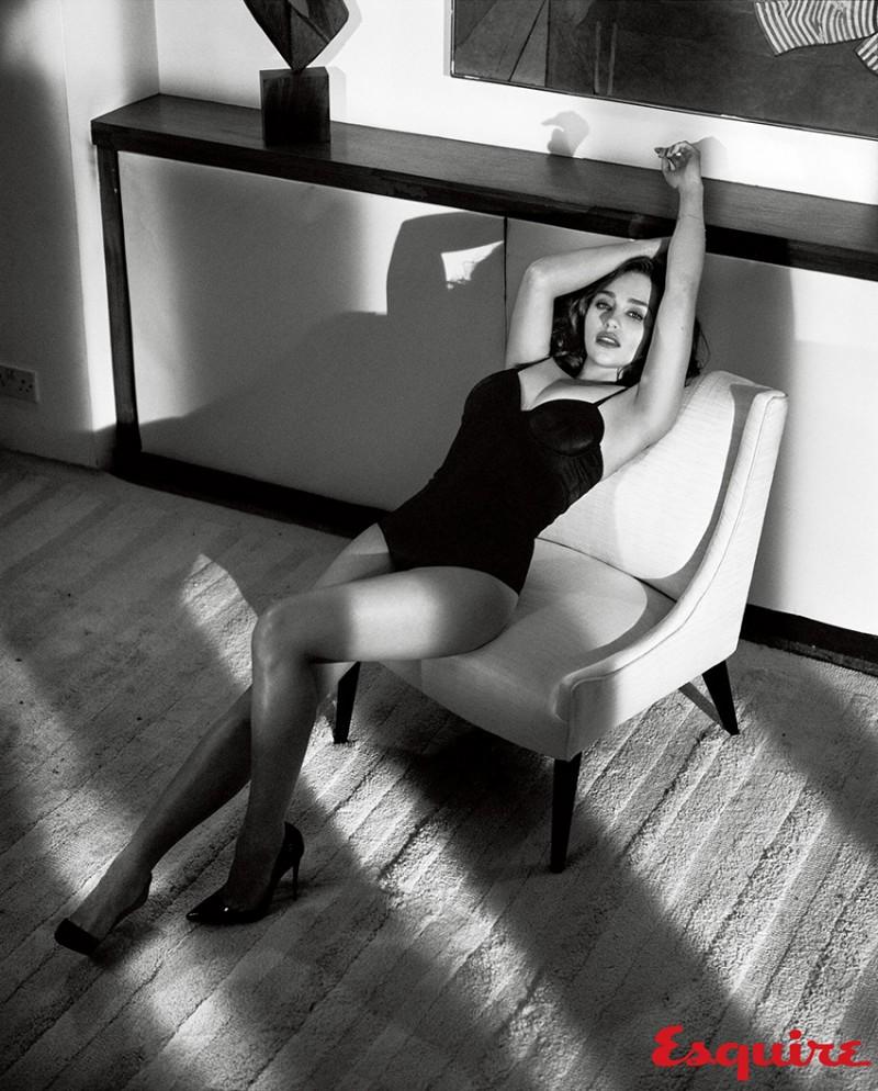 Emilia_Clarke_Esquire_Nov-2015-Vincent_Peters-ShockBlast-11