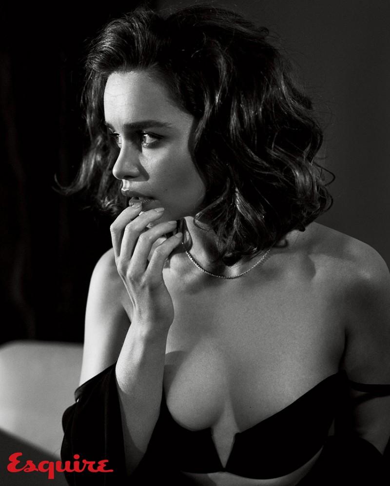 Emilia_Clarke_Esquire_Nov-2015-Vincent_Peters-ShockBlast-2