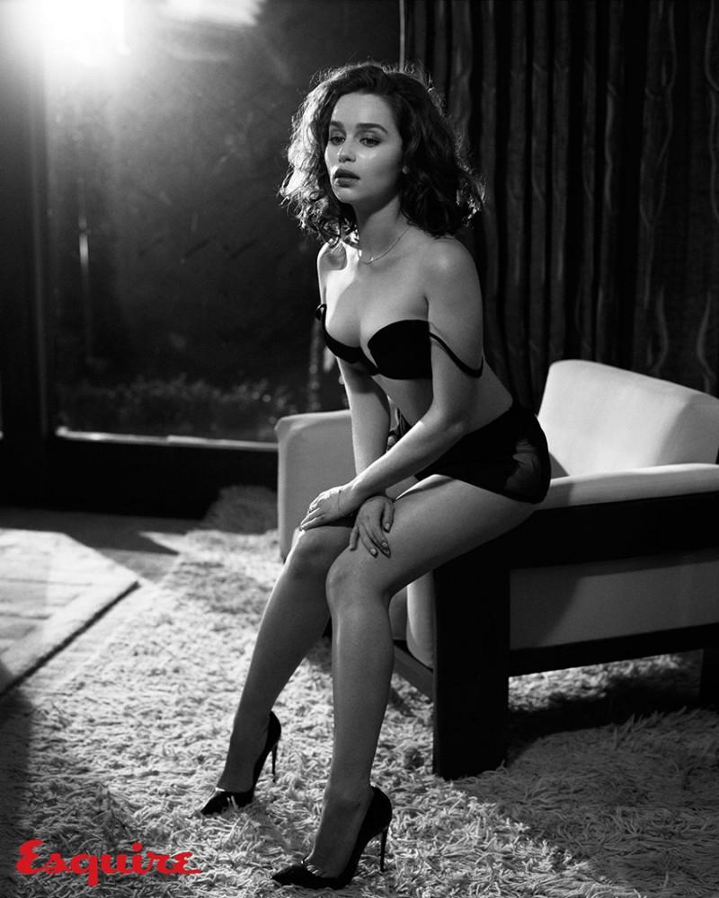 Emilia_Clarke_Esquire_Nov-2015-Vincent_Peters-ShockBlast-3