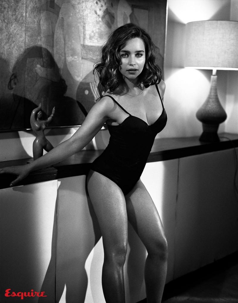 Emilia_Clarke_Esquire_Nov-2015-Vincent_Peters-ShockBlast-4