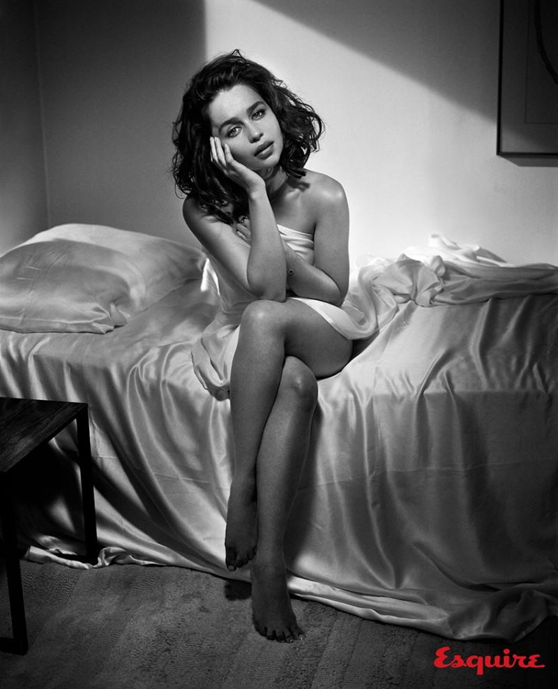 Emilia_Clarke_Esquire_Nov-2015-Vincent_Peters-ShockBlast-6