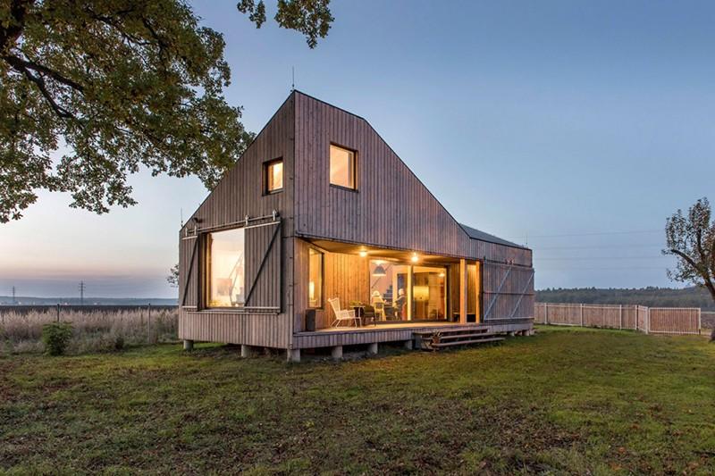 Energy-Efficient-Wooden-House-Zilvar-ShockBlast-14