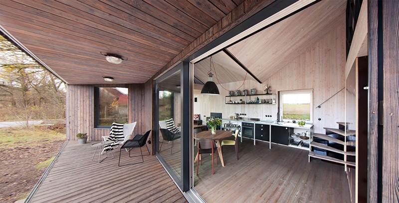 Energy-Efficient-Wooden-House-Zilvar-ShockBlast-3