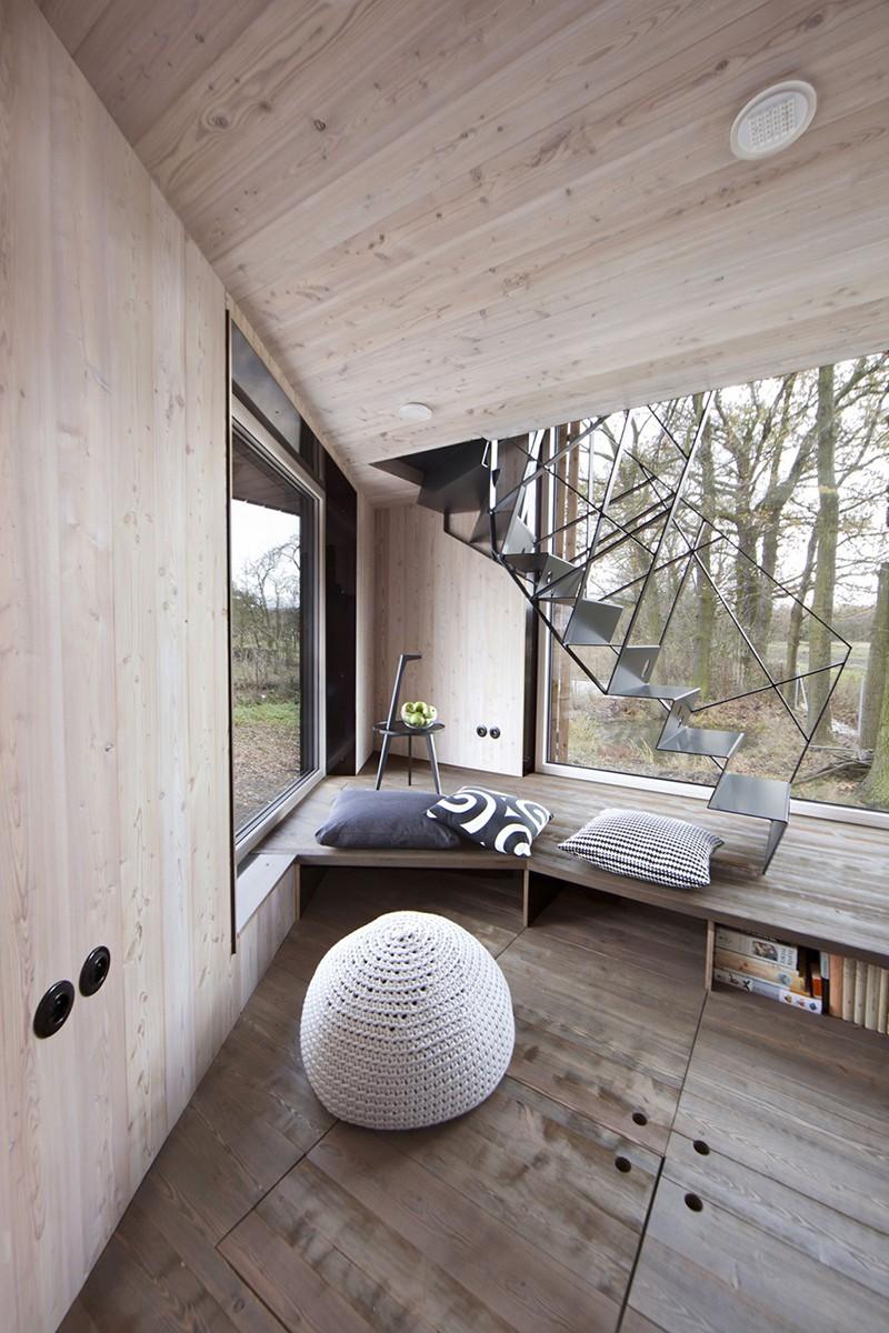Energy-Efficient-Wooden-House-Zilvar-ShockBlast-4