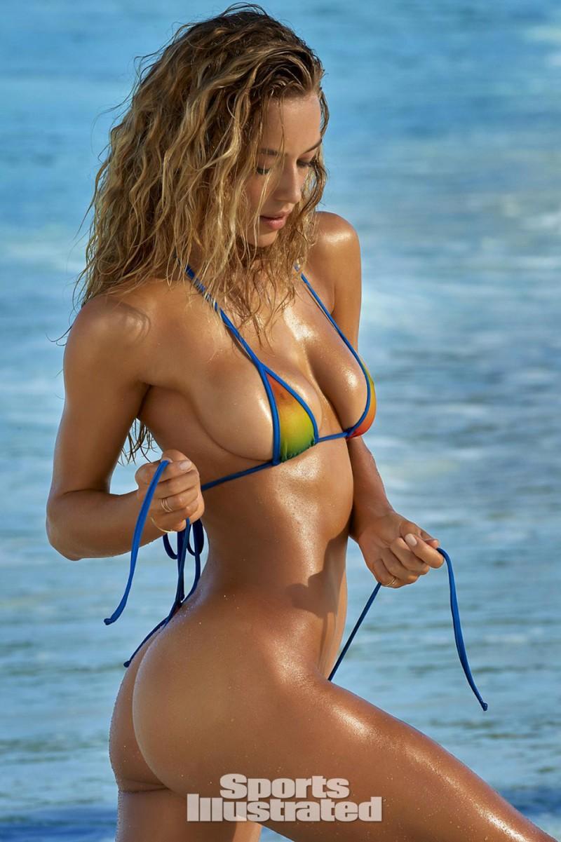 Hannah_Ferguson-Sports_illustrated_swimsuit_issue_2016-ShockBlast-3
