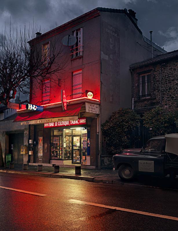 red-light-parisian-cafes-in-rainy-nights-ShockBlast-14