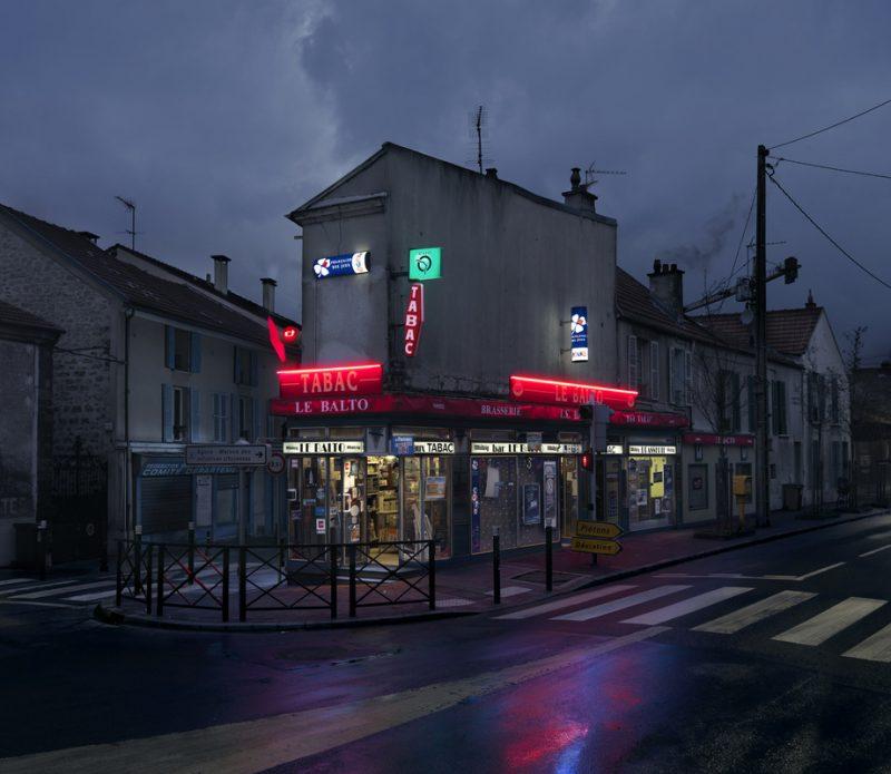 red-light-parisian-cafes-in-rainy-nights-ShockBlast-28