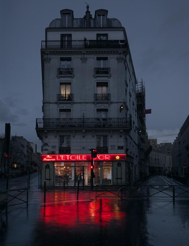 red-light-parisian-cafes-in-rainy-nights-ShockBlast-4