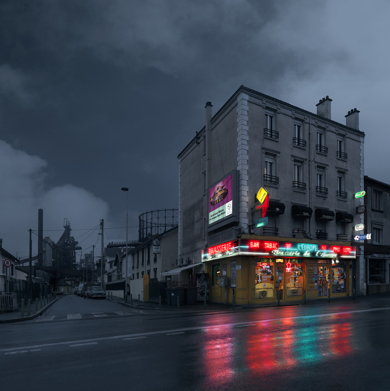 red-light-parisian-cafes-in-rainy-nights-ShockBlast-7