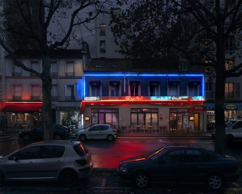 red-light-parisian-cafes-in-rainy-nights-ShockBlast-9
