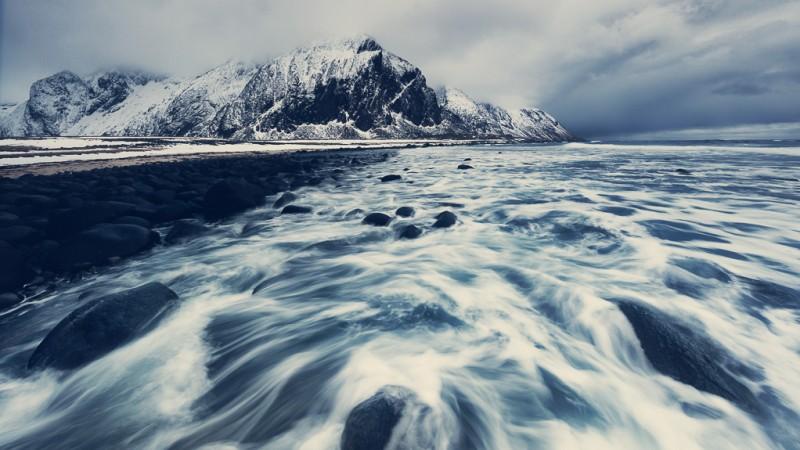 winter-at-northern-norway-lofoten-ShockBlast-3