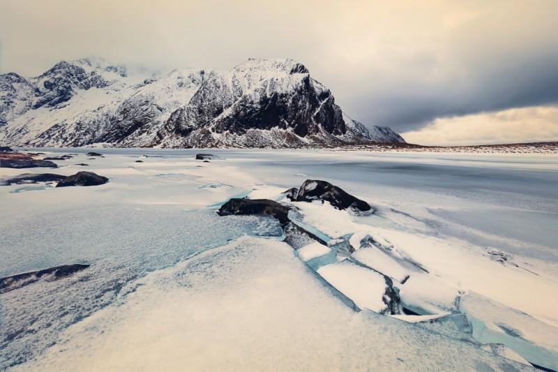 winter-at-northern-norway-lofoten-ShockBlast-4
