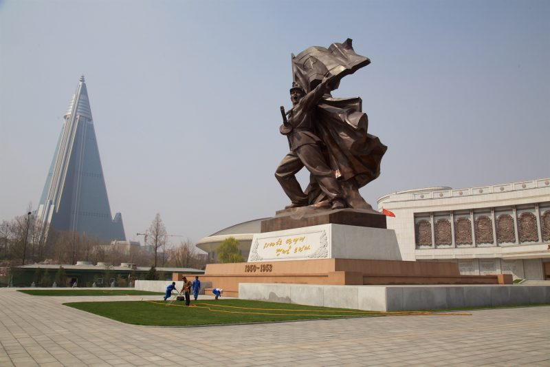 pyongyang-during-city-marathon-shockblast-14