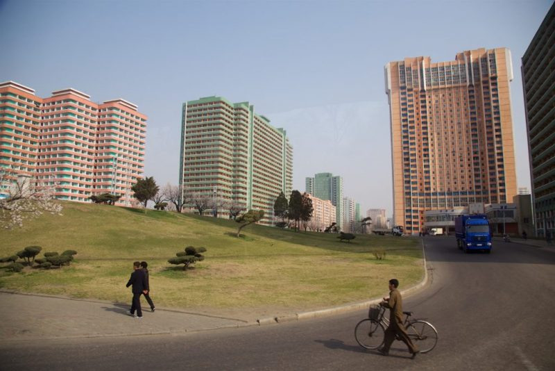 pyongyang-during-city-marathon-shockblast-22